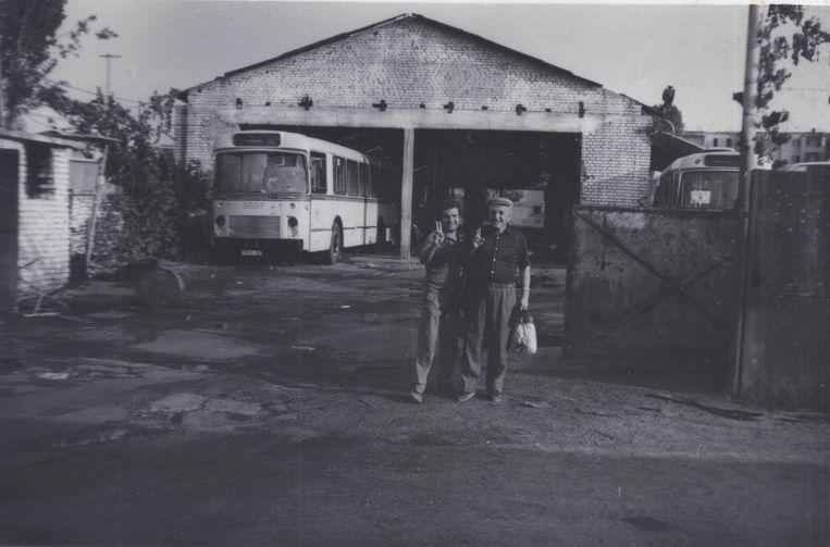 Ook afgedankte Brusselse Van Hool-Fiat-bussen vonden hun weg naar Albanië. Beeld Douglas De Coninck