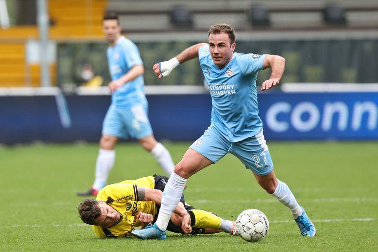 PSV'er Mario Götze aan de bal. Beeld Pro Shots / Thomas Bakker