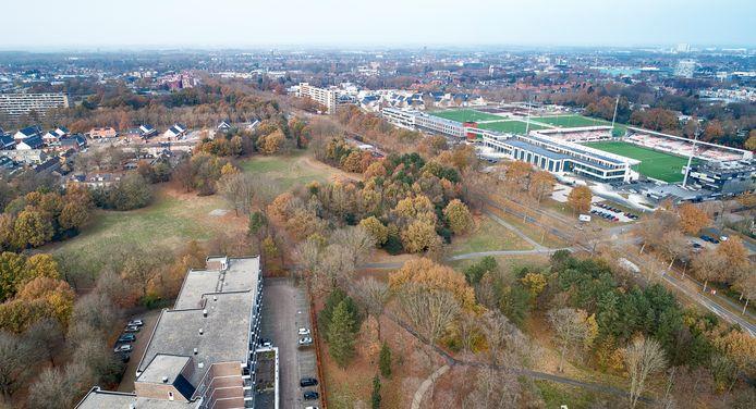 Het Sibeliuspark in Oss, met rechts achter het stadion van Top Oss.
