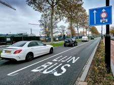 Tien boetes voor te hard rijden op Merwedestraat