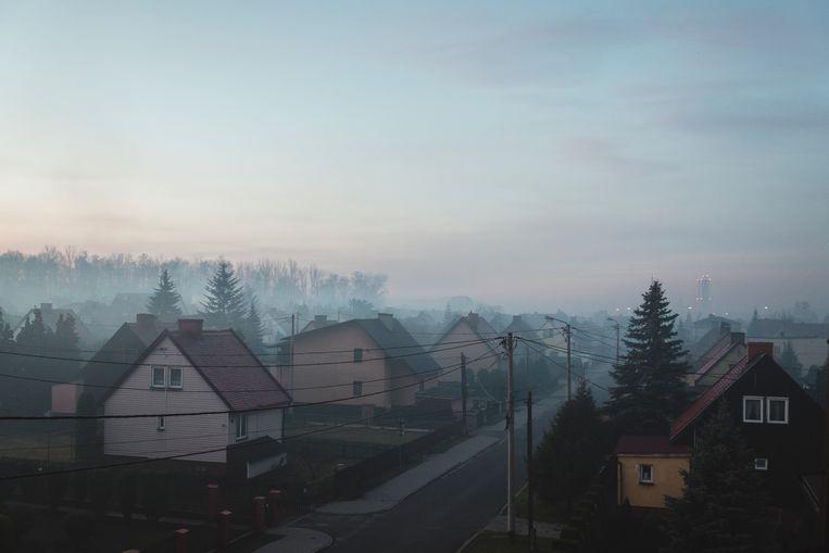 Ledziny Ochtend in een dorp nabij Imielin, in de Zuid-Poolse regio Silezië, zo'n 22 kilometer van de plaats waar de komende weken de mondiale klimaatconferentie COP24 van de Verenigde Naties plaatsvindt.   Beeld Fabian Weiss