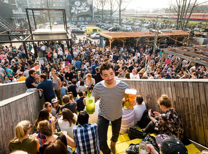 Volgens de VVD kan de Biergarten makkelijk uitwijken naar, bijvoorbeeld, het Zomerhofkwartier.