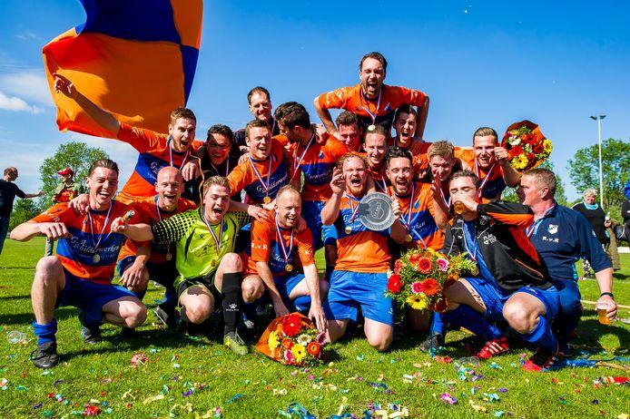 Vorig seizoen was het ook louter zonneschijn in 's Gravenboer. Toen werd ONI afgetekend kampioen in de vierde klasse. Alleen het eerste competitieduel werd verloren.