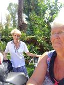 Mariet van Zoggel (rechts) bezocht deze week ook haar vriendin Jo Schevers. Deze oud-Schijndelse woont al zo'n 55 jaar in Italië.