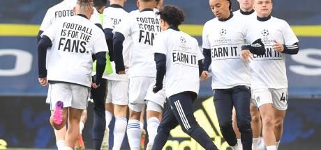 Leeds United-spelers maken met speciale shirts gehakt van Super League-plannen