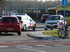 Fietser belandt in ziekenhuis na aanrijding in Almelo