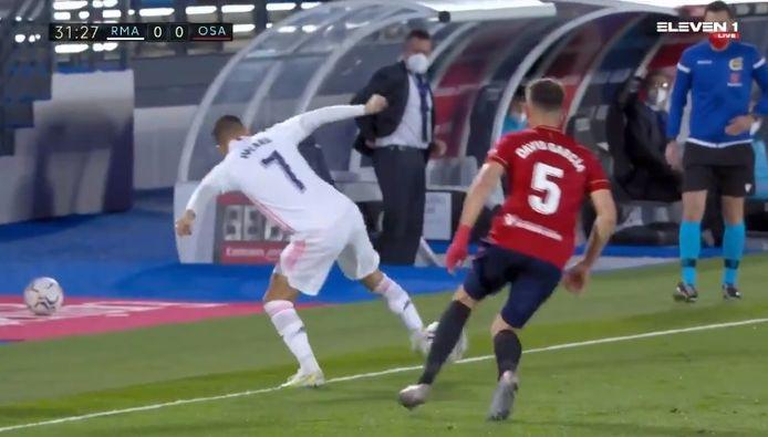Eden Hazard a mystifié la défense d'Osasuna d'un superbe geste technique.