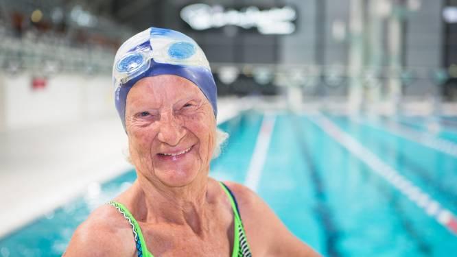 Zwemrecord voor 95-jarige Marianne Maandonks: 'Ja makkelijk hoor als er geen tegenstander is'