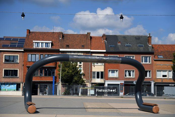Kunstwerk 'Take me for a ride' is één van de blikvangers voor het WK Wielrennen maar ook het startpunt voor een fietstocht met nieuwkomers.