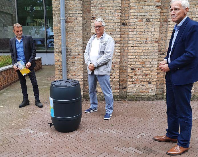 Van links naar rechts: Paul van Liempd, Harrie van Rooij en wethouder Jan Boersma.