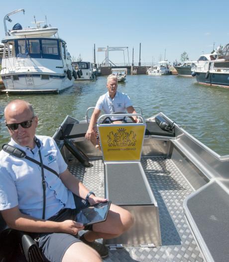 Boottoeristen 'blij verrast' door vernieuwd Harderwijks havengebied