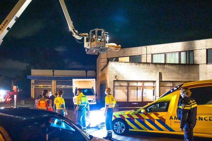 De brandweer heeft het slachtoffer naar beneden gehaald.