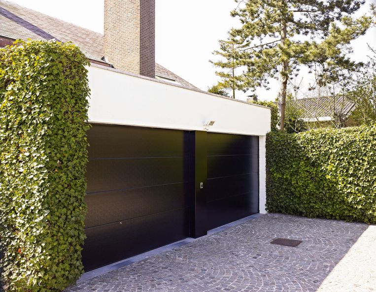 Ben je van plan om je woning later te verkopen of te verhuren? Een isolerende garagepoort verhoogt de waarde van je woning, waardoor je een hogere huurprijs kan vragen.