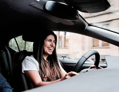 slimme-auto-heeft-last-van-domme-bestuurder