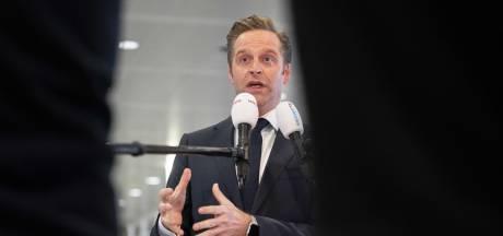 Minister De Jonge: Goed kijken hoe we verder gaan met AstraZeneca