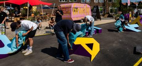 Skaters onthullen bijzonder 'visitekaartje' op de Tramkade in Den Bosch 'Een chille plek voor iedereen'