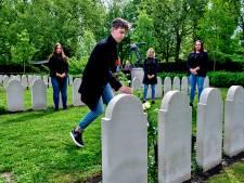 Voor het eerst in 75 jaar wappert de Nederlandse vlag bij Dordtse eregraven