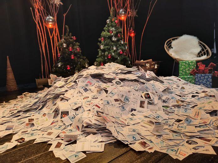 Honderden kaartjes van inwoners van Gooreind, Loenhout en Wuustwezel belandden bij de deelnemende handelaars en daaruit werden 203 winnaars gekozen. Drie van he gingen aan de haal met de hoofdprijzen.