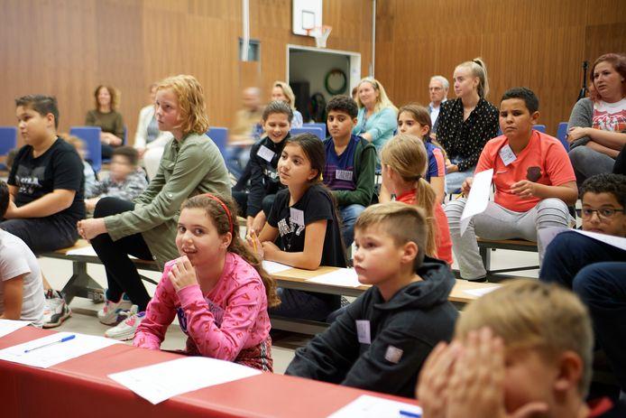 De Vijfmaster in Veghel wordt een locatie voor IMC Basis: leerlingen van groep 7 en 8 krijgen daarbij lessen van mensen met een beroep, om meer over hun vak te weten te komen.