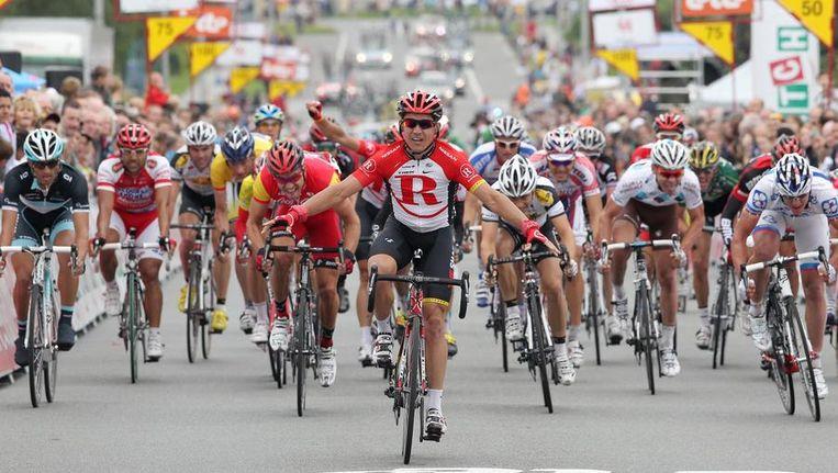 Robbie McEwen haalde het in de vierde rit van de Ronde van Wallonië met lengtes voorsprong. Beeld BELGA