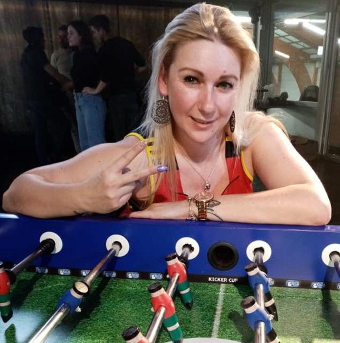 Wendy Huybrechts organiseert in augustus een tafelvoetbalkamp in het stadion van Lierse Kempenzonen.