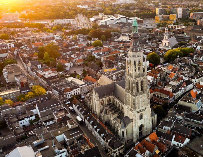 De Grote kerk in Breda doet ook mee aan het experiment Testen voor Toegang. Inmiddels is duidelijk dat veel mensen er geen zin in heeft zich vooraf te laten testen om binnen een kijkje te nemen.