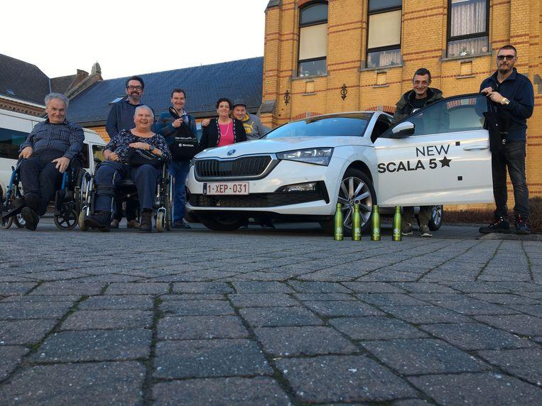 De nieuwe auto is voor de cliënten van vzw De Bolster met een niet-aangeboren hersenletsel ideaal om uitstappen te maken.