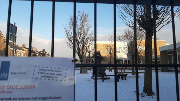 De Bukehof in Oudenbosch is alweer gesloten na een coronabesmetting bij een leerling.