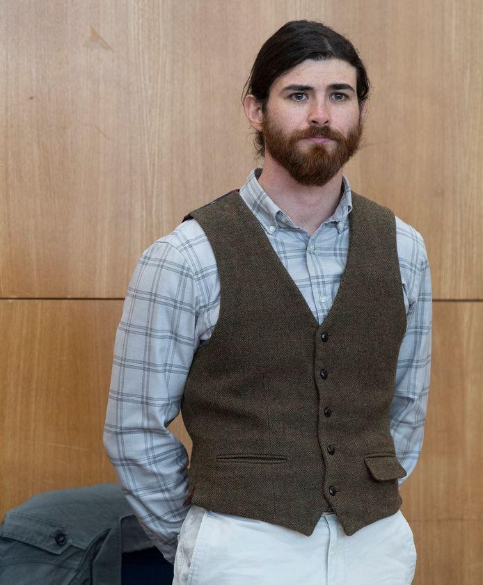 Franco Albrecht na aankomst in de rechtszaal in Frankfurt.