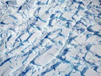 NASA maakt verbluffende foto's van ijskap Antarctica en haar duidelijke barsten