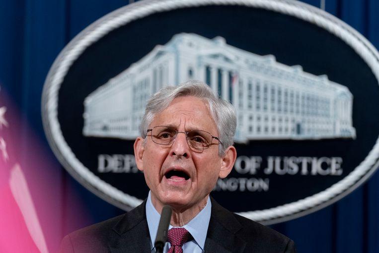 De Amerikaanse minister van Justitie Merrick Garland kondigt een onderzoek aan naar de cultuur en het gedrag van de politie in Minneapolis.  Beeld EPA