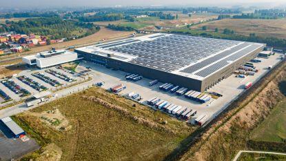 Van Marcke plaatst 12.960 zonnepanelen op dak distributiecentrum