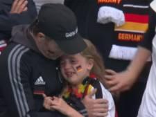Huilend Duits meisje van viral fragment massaal uitgelachen, Britten halen enorm bedrag op