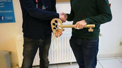 Kurt Van Weynsberghe draagt feestsleutel over aan Steven De Vuyst