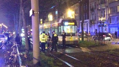Joggende vrouw loopt onder tram in Borgerhout: slachtoffer in levensgevaar