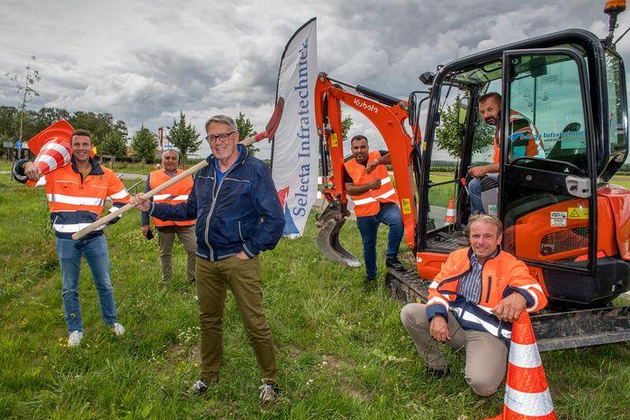 Als vijfde gemeente in de Regio Rivierenland is Zaltbommel aan de beurt voor de aanleg van snel internet in het buitengebied. Wethouder Kees Zondag gaf in Nederhemert het startsein.