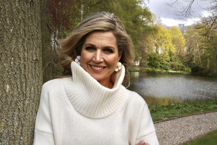 Ter gelegenheid van de 50e verjaardag van koningin Máxima heeft het Koninklijk Huis nieuwe foto's van haar gepubliceerd. De beelden zijn gemaakt door haar man, koning Willem-Alexander, op het Paleis Huis ten Bosch.