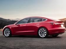 Publieksintroductie Tesla's Model 3 in Rotterdam