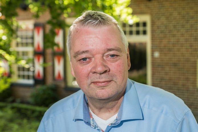 TT-2019-011389-Losser Henri Brookhuis stopt als voorzitter van CML  Marcel de Jong (Rechts) neemt de voorzittershamer over editie:Oldenzaal Foto Reinier van Willigen RWN20190613
