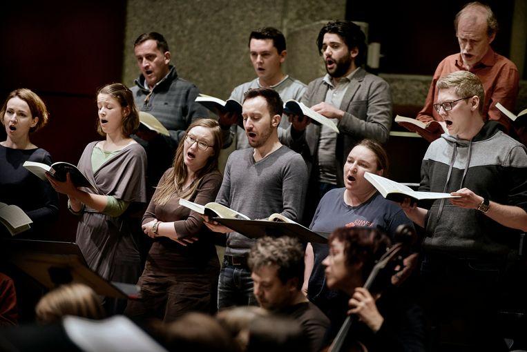 Collegium Vocale tijdens de repetitie.  Beeld Eric De Mildt