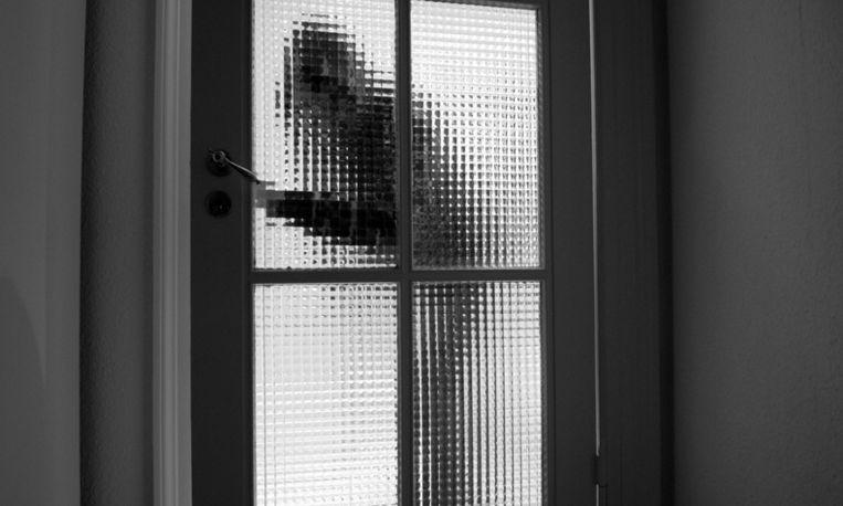 """Elises huis werd leeggeroofd: """"Het besef dat een vreemde in mijn ondergoed heeft staan zoeken"""""""
