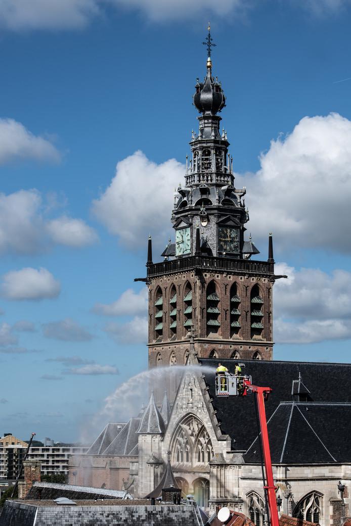 PR dgfoto Gelderlander Nijmegen: brandweeroefening Sint Stevenskerk