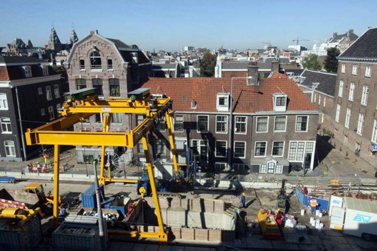 Bovenaanzicht van de ontruimde panden aan de Vijzelgracht in Amsterdam. Foto ANP/Evert Elzinga Beeld
