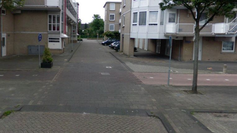 De Zuidakker in Spijkenisse waar 40-jarige man zaterdag is doodgeschoten op een parkeerplaats. Beeld Screenshot Google Streetview