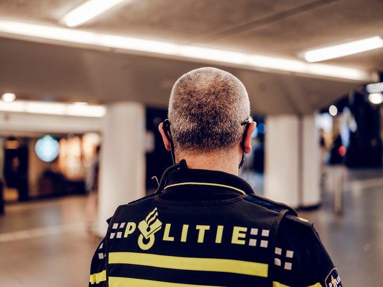 Agent Dave, die alleen onherkenbaar in beeld wil komen, schoot op 31 augustus 2018 Jawed S. neer. Beeld Politie / Frank Ruiter