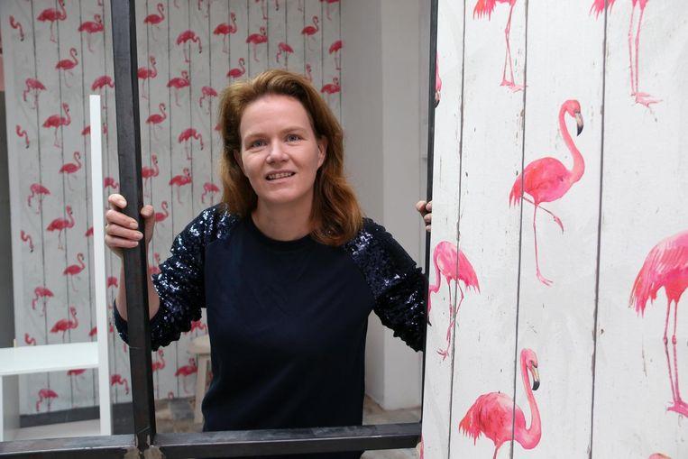 Kelly Meeus in haar nieuwe theezaak in 'Station M'.