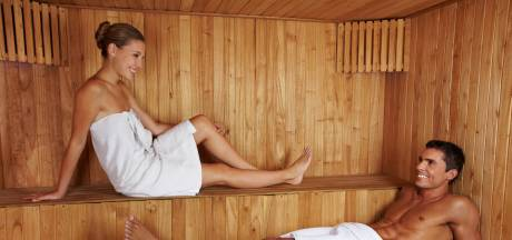 Coronaproof naar de sauna: hou die handdoek vooral om (en ga op een sticker zitten)