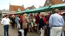 Bezoekers boekenmarkt