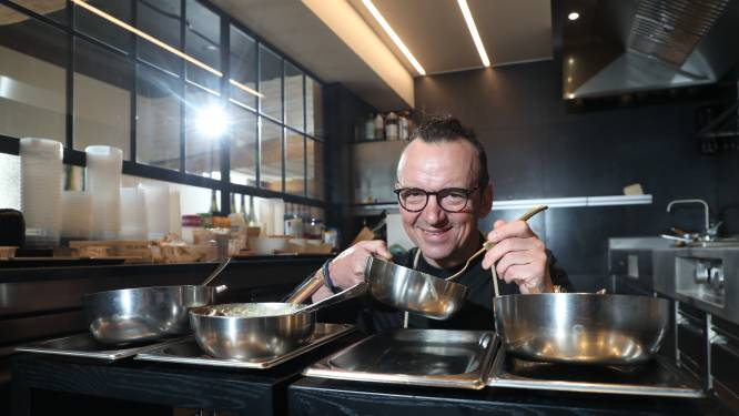 """""""Dit is vol-au-vent voor mensen zonder tanden"""": sterrenchef Luc Bellings proeft kant-en-klare Vlaamse kost uit de supermarkt"""