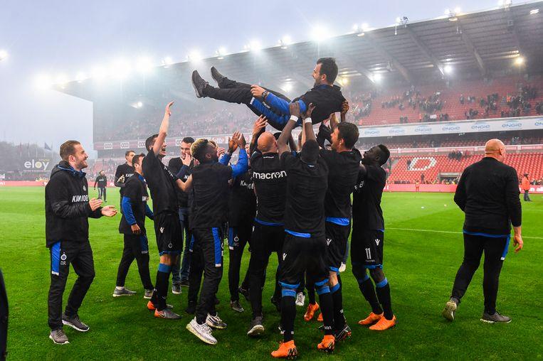 ► De Club-spelers dragen Ivan Leko op handen. 'Fantastisch hoe ze zijn meegegaan in mijn filosofie', zegt de coach. Beeld BELGA